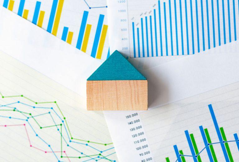 新築マンションの2月着工件数は大幅減少、申込率と竣工件数は高水準